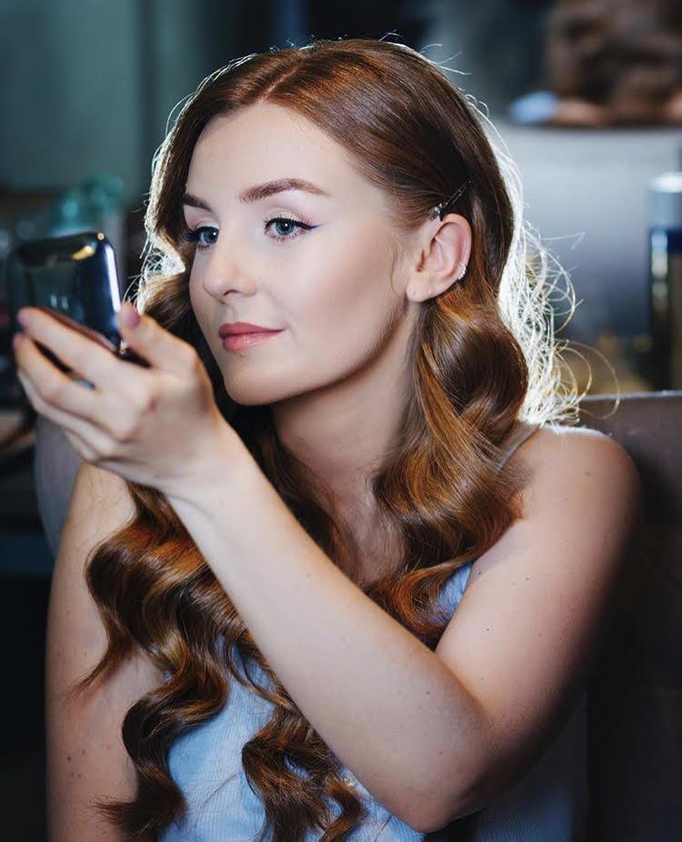 Belinda Chatterton: Makeup Expert